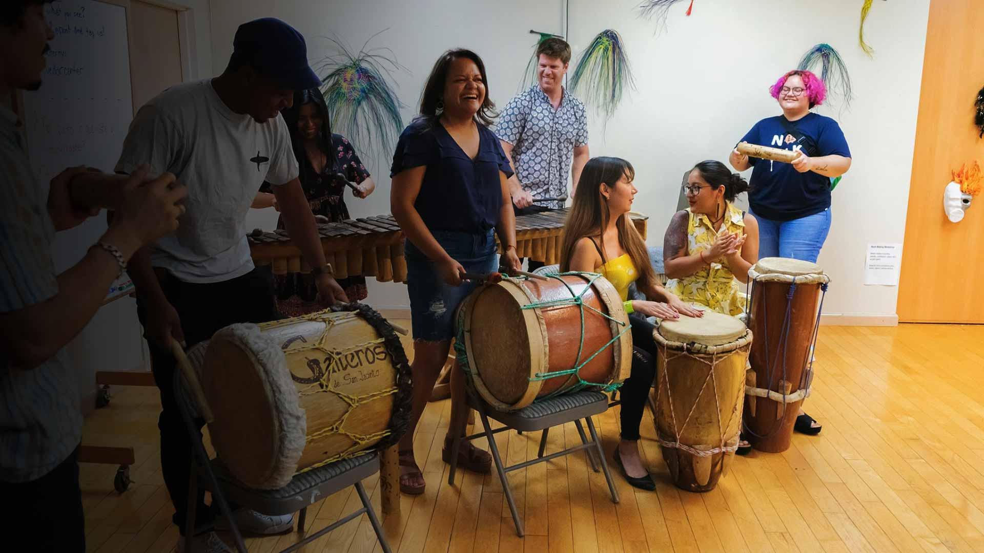 playing ecuadorian music